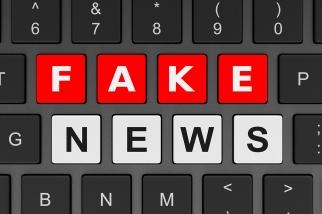 Computer Keyboard Fake News Concept